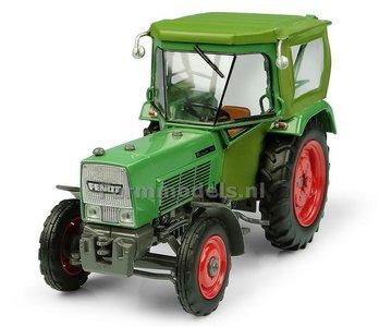 Fendt Farmer 5S 2WD met PEKO Cabine 1:32 Universal Hobbies UH5291   EXPECTED