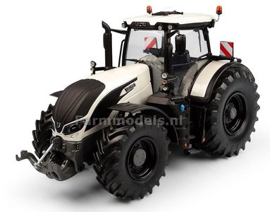 Valtra S394 Black Rims 1:32 Universal Hobbies UH6219   EXPECTED