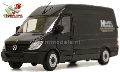 MM Design Mercedes-Benz Sprinter met MargeModels design + FREE GIFT 1:32  MM1905-02-01