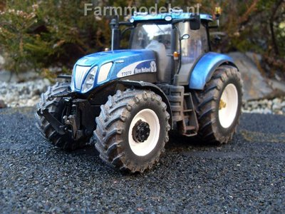 550. Vervuilde New Holland Blue Power T7070