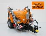 50004-VMR-Veenhuis-Premium-Knikdisseltank-(2013)-Antraciet-chassis-oude-VMR-logo-1:32-LAST-ONES