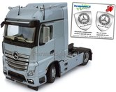 Mercedes-Benz-Actros-Bigspace-4x2-Silver-met-Free-Gift-Mercedes-(Silver-Shield)-Decals-1:32-MM1909-03