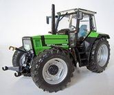 Deutz-Agrostar-DX-6.31--rechte-neus--2e-versie-dubbelle-verstralers-1:32--MW1020