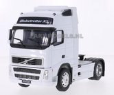 WHITE-Volvo-FH12-2Axle-WELLY-1:32-WEL32630W-LAST-ONES
