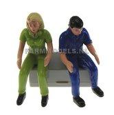 85101-2x-Tractor-bestuurders-1x-Man-(blauw)-&-1x-vrouw-(groen)-1:32-Siku