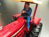 81099-Oudere-Chauffeur-met-petje-bestuurder-boer-Loonwerker-(Blauwe-overal-+-pet)-Monteur-boer-loonwerker-Handgeschilderd-model-1:32-(POP)