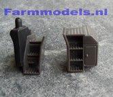 21672-Traptredes-met-dieseltank-en-opbergvakken-afkomstig-van-een-Fendt-718-2-delig-(Moto-+-trap)()