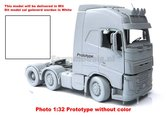 VOL-340-WHITE-3-Axle-Volvo-FH16-Wit--MarGe-Models-1:32-MM1811-01-Available-Q3-Q4-=-3de-4de-kwartaal-2018