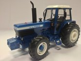 Britains-Ford-TW30-4WD-1:32--BR42841
