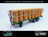 JOS-1440-B-John-Deere-GREEN-Joskin-Wago-TR10000T20-met-32-ronde-balen-John-Deere-GREEN-chassis-+-Super-Single-truck-tires-+-end-caps-1:32