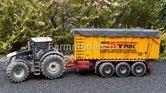 573.-Loonbedrijf-Elco-Strik-met-grote-graanbak-met-dubbele-schuif-en-afdekzeil