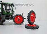44590-F+B-Vooras-Fendt-Xylon-522-524-Cultuur-set-Aluminium-velg-+-Band-gespoten-in-Fendt-rood-1:32