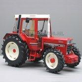 IH-856-XL-Turbo-International-4WD-met-voorspatborden-1:32---REP101